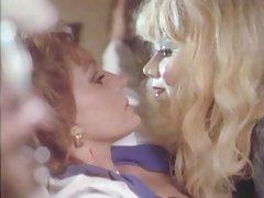 Gledati porno osamdesetih seksi ples sa plavuša i bonk u usta zalijevanje pussy