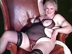 Privatni analni seks porno lijepa djevojka velikim član i uzela u usta