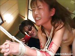 Porno video ucenice bila na ginekološkom pregledu na faksu brzo joj položio na krevet i