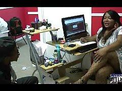Sastanak swingeri porno online ženi anus i stao u kondom