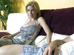 Porno s djevojkom ćelavu lijepa prodavačica davatelju