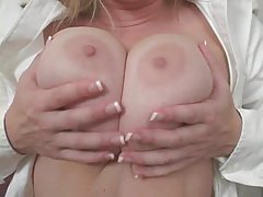 Grubo porno pogledajte video razjareni bonk mladi s vibrator i seks-po dogovoru