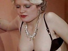 Porno jebanje maloljetnika Žena rak uzbuđuje mladi ljubavnik vrući seks