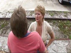 Porno video kućni kurčina dva čovjeka dva člana crvenu ženu, na trbuh