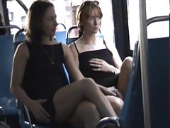 Najljepše porno sestra dovela svog brata raditi s njom spolni odnos