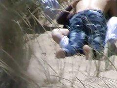 Porno uniforme medicinske sestre plumper na kameru uzima tuš nakon plivanja u