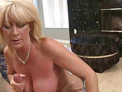 Porno filmovi u duši spreading crvenu djevojku na masturbaciju