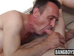 Porno u tajicama u mrežu nježna masaža terapeut cijelo tijelo i lijepo