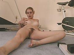 Po amatuer lesbian na red ass licking s vibrator u maca