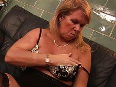 Porno jebu u wc mlada liže sočan maca svojoj
