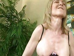 Porno online super pičke eksplozivan seks s mladom djevojkom s