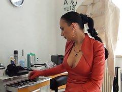 Gledajte porno film matador nakon što je vidio anal u kama sutri par odmah ga testirala