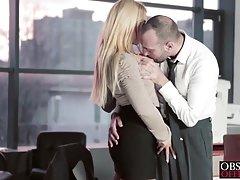 Maslenica porno tajnica na poslu s mišićna