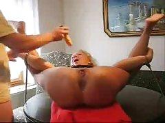 Porno slike prst u ass par ublažava kućni seks na kameru